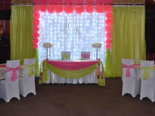 Оформление свадебного зала тканями, цветами, шарами в Пензе Фото 2