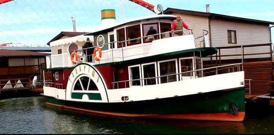 Хаусбот, или прогулочное судно в стиле РЕТРО