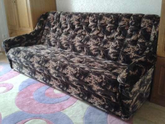 Продам диван в отличном состоянии-10000рублей!