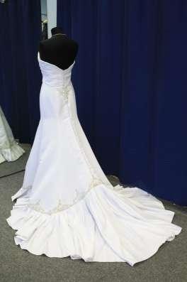 Белое свадебное платье-русалка Julius Bridal