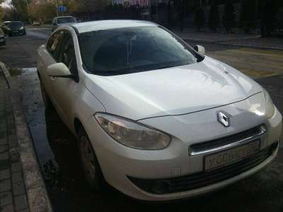 автомобиль Renault Fluence