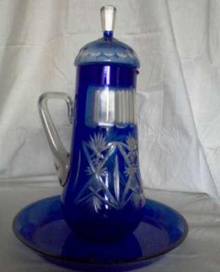Кувшин резной синего стекла 1950 года