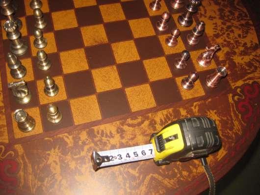 Кофейный столик + Шахматный столик + шахматы