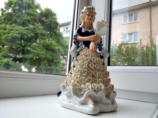 Редкая статуэтка Дама с зеркалом, кобальт, клеймо, оригинал