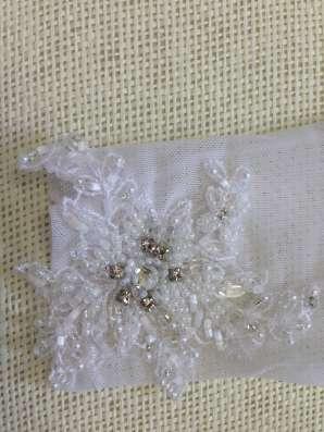 Белые короткие перчатки Love Wedding Couture