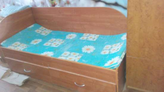 Продам кровать б\у