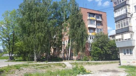 Продаю 2 к. кв. в Среднеуральске