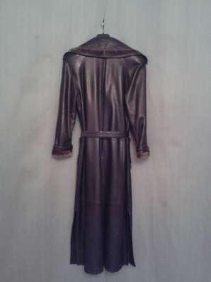 Кожаное чёрное классическое пальто с оторочкой из НЕРПЫ в Москве Фото 3
