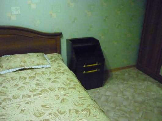 Тумбы прикроватные / для интерьера в зал