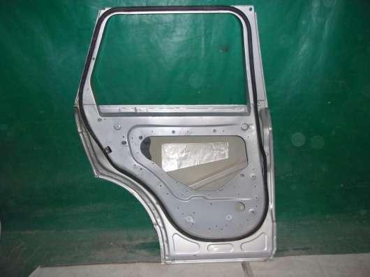 Левая дверь задняя Land Rover Voque