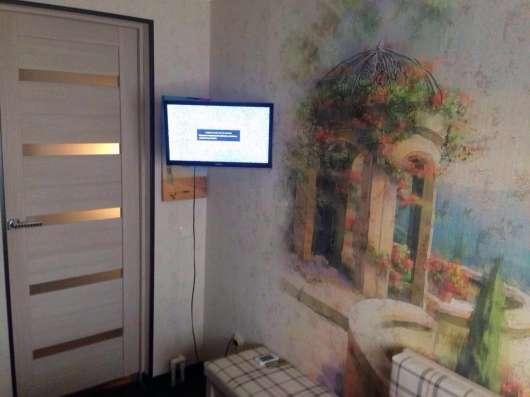 В Кропоткине по ул.Краснодарской 2-комнатная квартира на зем