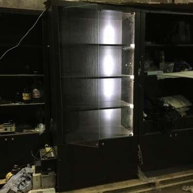 Шкаф для элитного алкоголя с подсветкой