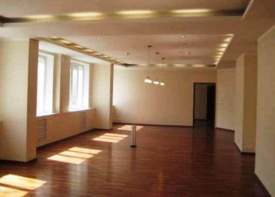 Отделочные работы в комплексе (полы, стены, потолки, электрика, сантехника).