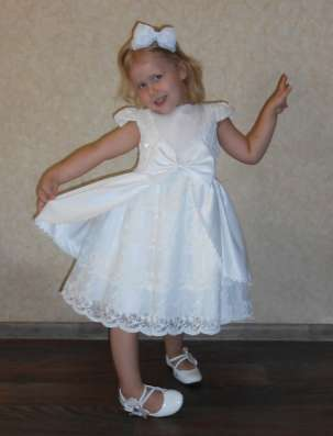 Платье белое, праздничное, нарядное, кружевное в г. Днепропетровск Фото 3