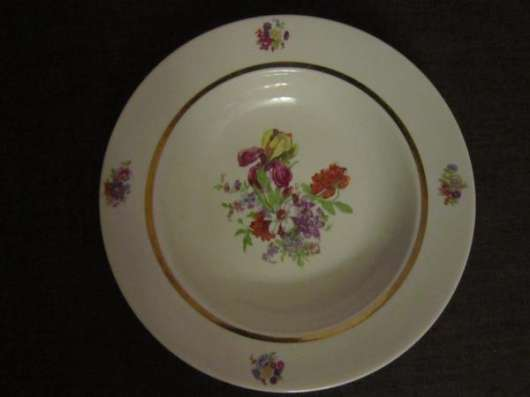 Фарфоровые тарелки 60-х годов