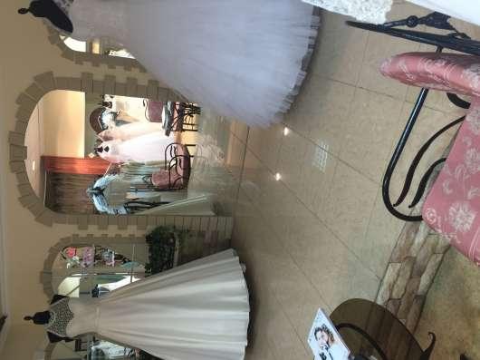 Требуется продавец в свадебный салон с опытом работы в Перми Фото 1