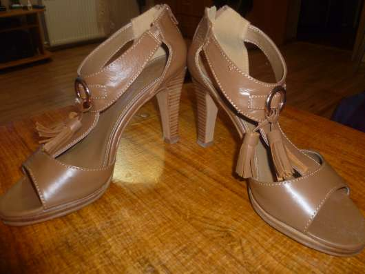 Кожаные туфли и сапоги