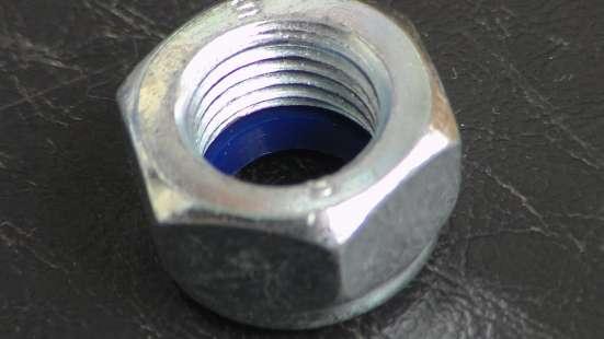 Гайка М14х1,5 с нейлоновым кольцом