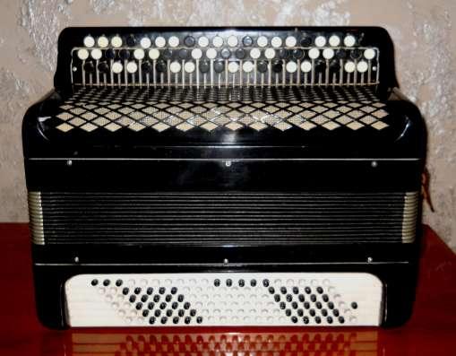 Продаю музыкальное оборудование (баян, видеопроигрыватель и