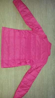 Продам куртку для девочки новую (весна-осень)