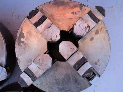 Патрон токарный 4-х кулачковый на 250. USSR 7103-0045