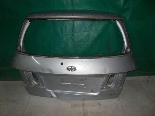 Kia Carens 2 Крышка багажника б/у Оригинал