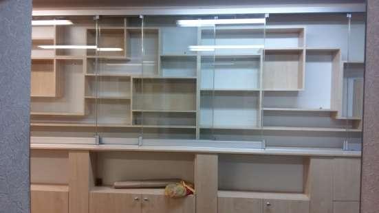 Продам шкафы витрина