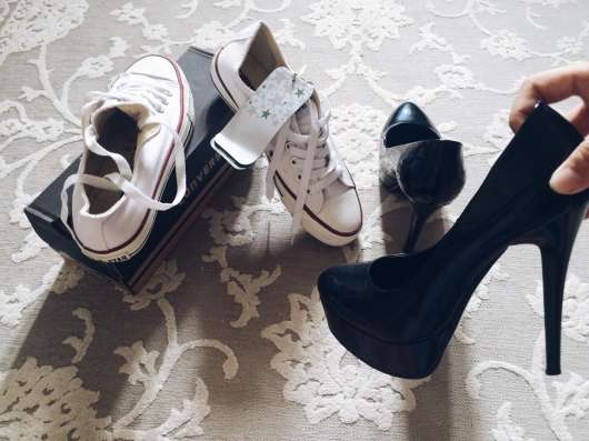 Продаю обувь:)