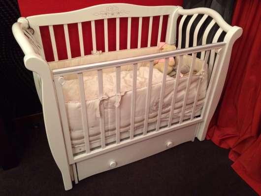 Кроватка детская с комодом