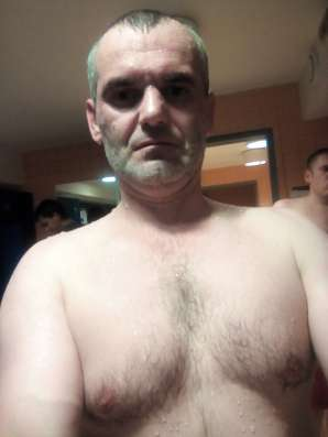 DERYCH MYKHAILO, 43 года, хочет познакомиться