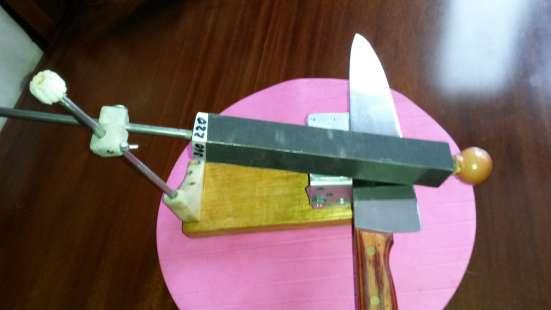 Точилка для ножей и ножниц-подарок мужчине