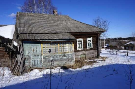 Бревенчатый дом в тихой деревне, рядом с речкой в Ярославле Фото 3