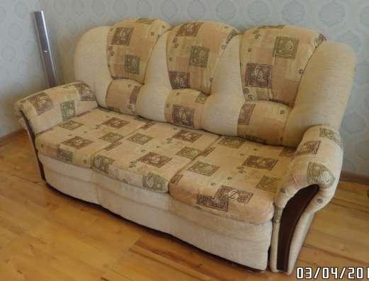 Красивый комплект мягкой мебели в отл. состоянии в Москве Фото 2